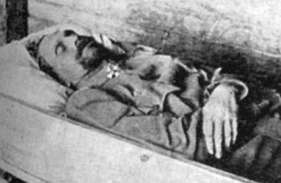 Генерал Каппель В.О. в гробу сразу после смерти.