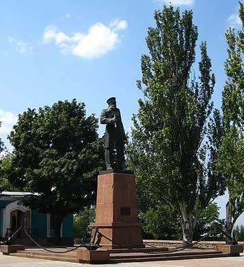 Памятник адмиралу флота Макарову Степану Осиповичу в Николаеве